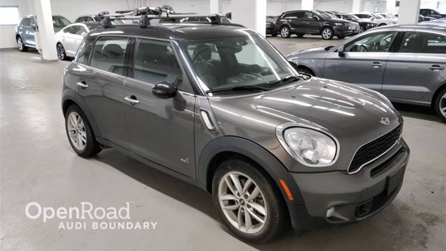 2014 MINI COOPER Countryman ALL4 4dr S VERY LOW KM in Vancouver, British Columbia