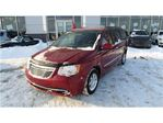 2011 Chrysler Town and Country Touring-L in Trois-Rivieres, Quebec