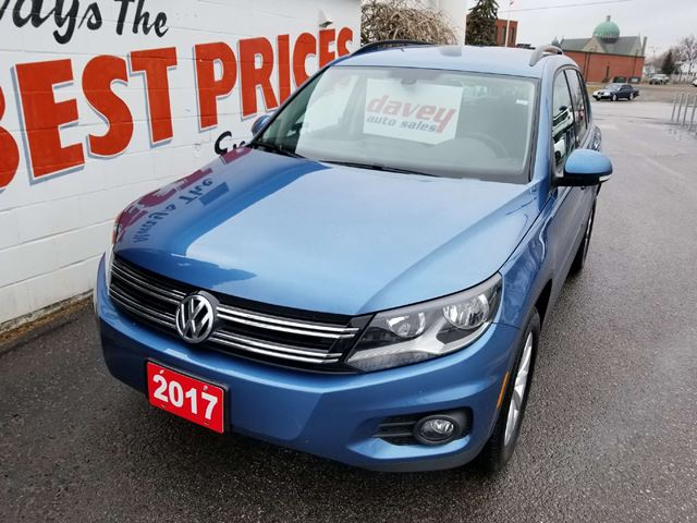 2017 VOLKSWAGEN TIGUAN Wolfsburg Edition ALL WHEEL DRIVE, HEATED LEATHER SEATS, BACK UP CAM in Oshawa, Ontario