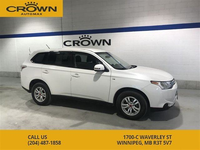2014 MITSUBISHI OUTLANDER SE 4WD **7 Passenger ** 10 Year Warranty** Remote in Winnipeg, Manitoba