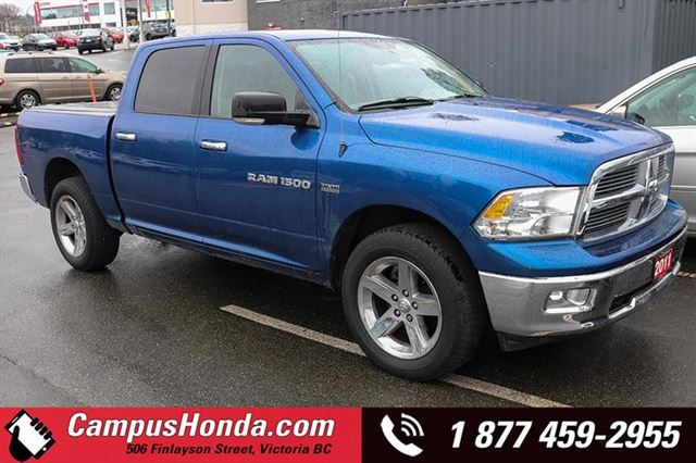 2011 DODGE RAM 1500 SLT 4WD Crew Cab 140.5 in Victoria, British Columbia