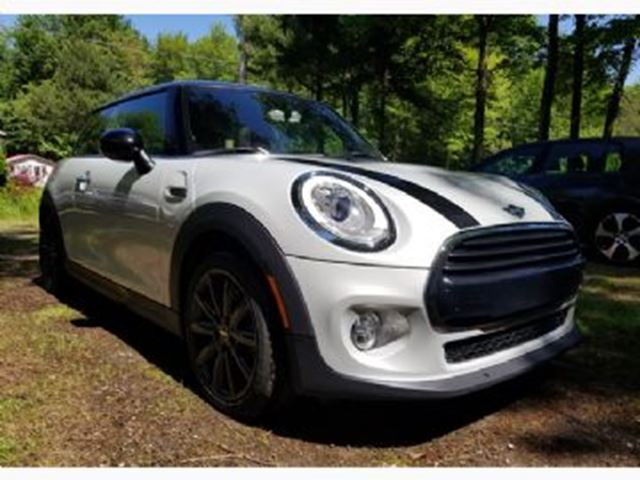 2016 MINI COOPER Panoramic Roof, XS Wear + Esthetic Protections in Mississauga, Ontario