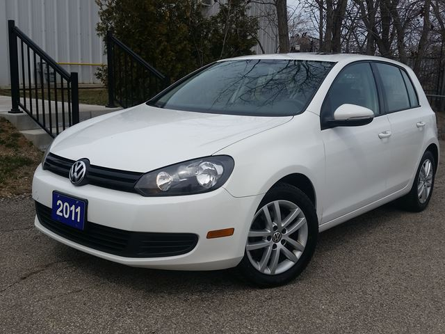 2011 VOLKSWAGEN GOLF Comfortline Sunroof  in Beamsville, Ontario