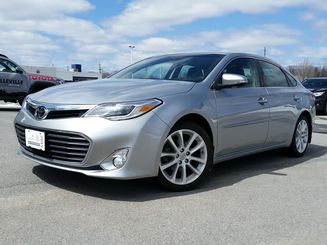 2015 TOYOTA AVALON Limited in Belleville, Ontario