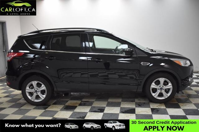 2016 FORD ESCAPE SE 4X4 - BACKUP CAM * LEATHER * SUNROOF in Kingston, Ontario