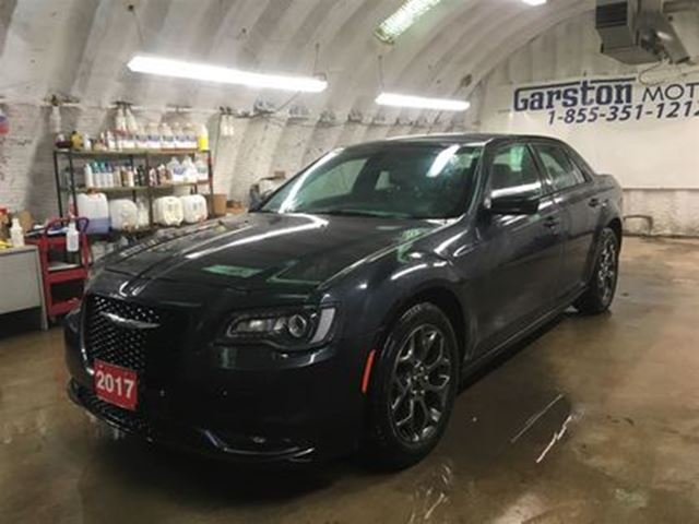 2017 CHRYSLER 300 300S*AWD*LEATHER*NAVIGATION READY*KEYLESS ENTRY w/ in Cambridge, Ontario