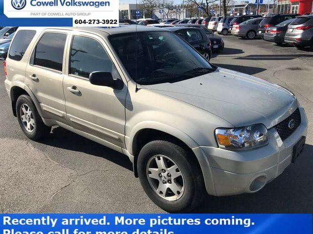 2005 FORD ESCAPE XLT 4Dr 4WD 6CYL in Richmond, British Columbia
