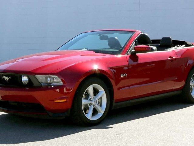 2011 FORD MUSTANG GT in Penticton, British Columbia