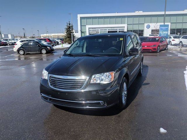 2015 CHRYSLER TOWN AND COUNTRY Touring-L in Calgary, Alberta