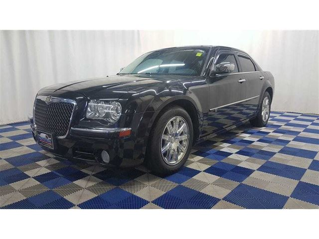 2010 CHRYSLER 300 ACCIDENT FREE/LEATHER/SUNROOF/HTD SEATS in Winnipeg, Manitoba