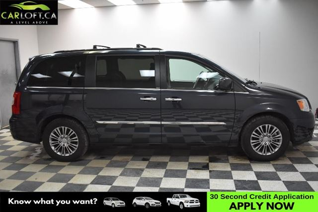 2014 CHRYSLER TOWN AND COUNTRY Touring-L-UCONNECT * LEATHER * NAV in Kingston, Ontario