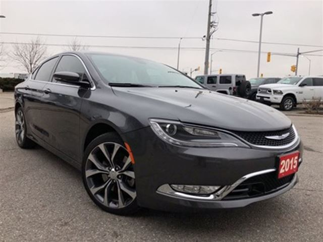 2015 CHRYSLER 200 C**PANORAMIC SUNROOF**PARK ASSIST** in Mississauga, Ontario