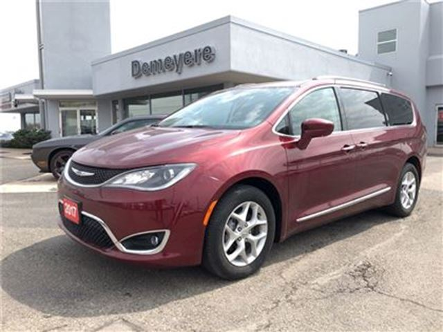 2017 CHRYSLER PACIFICA Touring-L Plus in Simcoe, Ontario