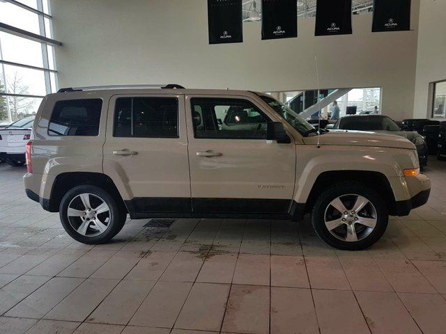 2017 JEEP PATRIOT High Altitude - Heated Leather, Sunroof + Media Inputs! in Red Deer, Alberta