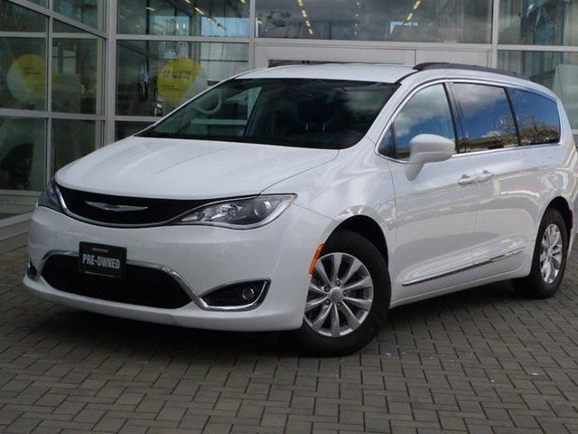2017 CHRYSLER PACIFICA Touring-l Plus in Vancouver, British Columbia