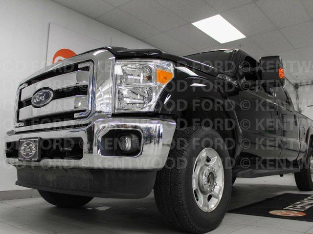 2015 FORD F-250 XLT 6.2L V8 FX4 with power seats in Edmonton, Alberta
