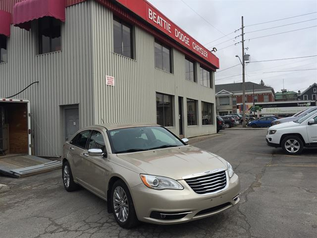 2013 CHRYSLER 200 Limited BLUETOOTH/ LEATHER/ REMOTE START in Brockville, Ontario