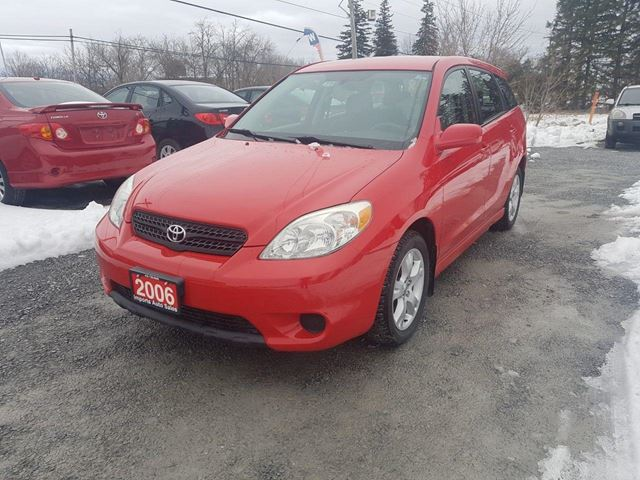 2006 TOYOTA MATRIX XR POWER SUNROOF LOW KMS in Stouffville, Ontario