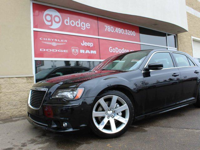 2013 CHRYSLER 300 SRT / Sunroof / Navigation / Back Up Camera in Edmonton, Alberta