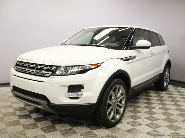 2015 LAND ROVER RANGE ROVER EVOQUE Pure Premium - 4yr/80000kms manufacturer warranty included until November 18, 2018! Local One Owner Trade In   No Accidents   Navigation   Surround Camera System   Parking Sensors   Adaptive Xenon Headlamps with Auto High Beam Assist   Heated Windshi in Edmonton, Alberta