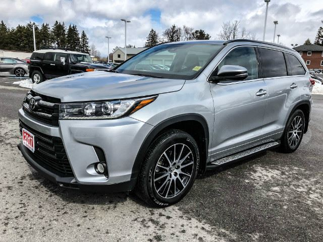 2017 Toyota Highlander   SE SPORT + REMOTE START! in Cobourg, Ontario