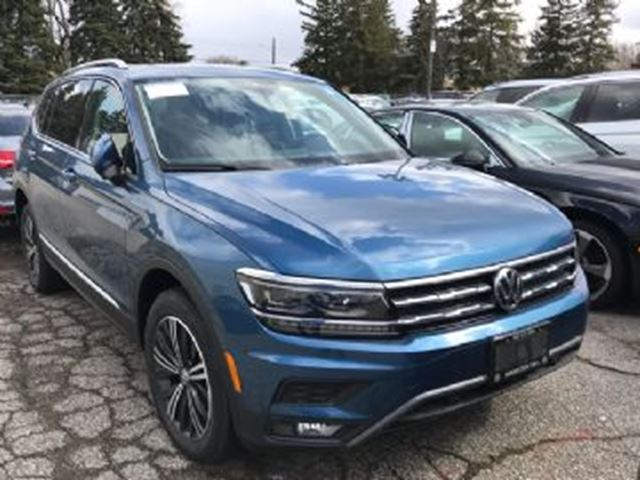 2018 VOLKSWAGEN TIGUAN Volkswagen Tiguan Highline 2.0T 8sp at w/Tip 4MOTION in Mississauga, Ontario