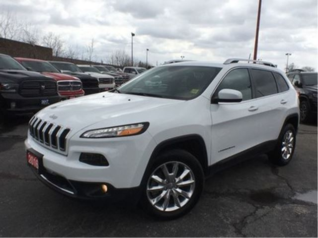 2016 JEEP CHEROKEE LIMITED**LEATHER**NAV**TRAILER TOW PACKAGE** in Mississauga, Ontario