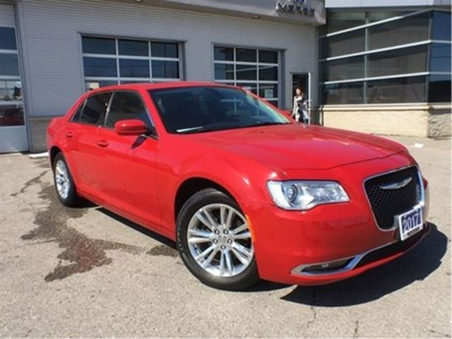 2017 CHRYSLER 300 TOURING**NAVIGATION**PANORAMIC SUNROOF*** in Mississauga, Ontario