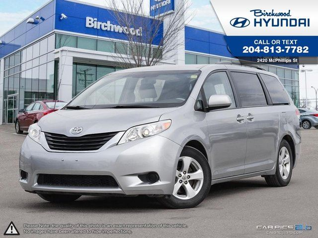 2011 TOYOTA SIENNA LE Mobility 7-Pass *Rear Camera in Winnipeg, Manitoba