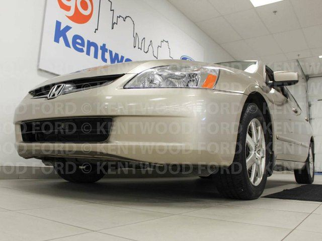 2005 HONDA ACCORD EXV6 with a sunroof? and heated power leather seats? With beautiful wood style interior? You can't go wrong! in Edmonton, Alberta