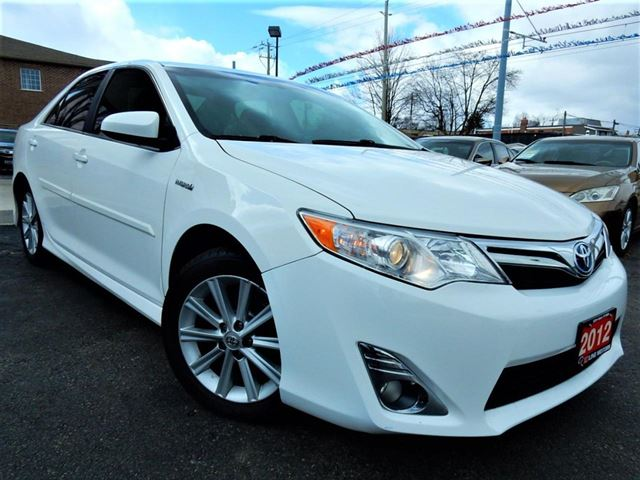 2012 TOYOTA CAMRY XLE HYBRID ***SALE PENDING*** in Kitchener, Ontario