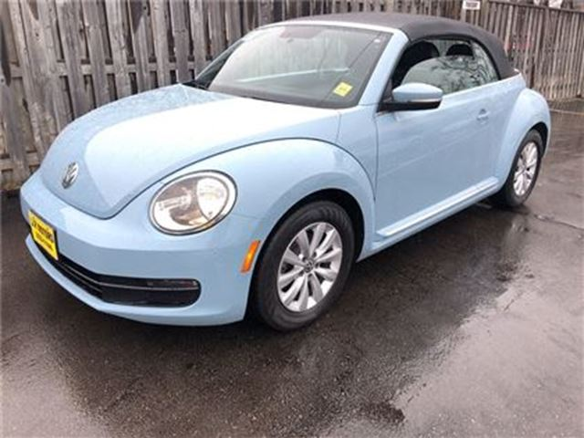 2013 VOLKSWAGEN NEW BEETLE  Highline, Auto, Leather, Convertible,  40,000km in Burlington, Ontario