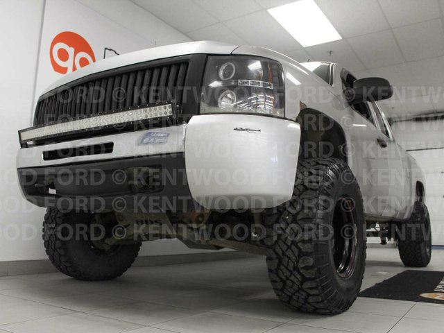 2010 CHEVROLET SILVERADO 1500 LT power drivers seat and done up for days in Edmonton, Alberta