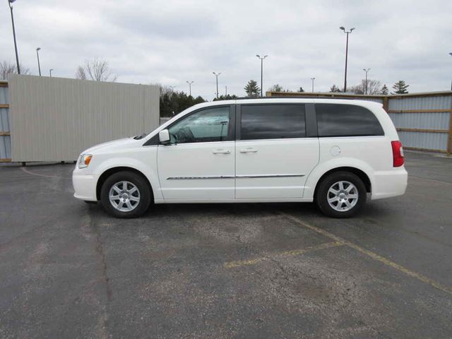 2012 CHRYSLER TOWN AND COUNTRY TOURING in Cayuga, Ontario