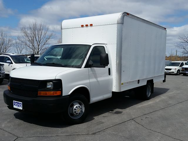 2010 CHEVROLET EXPRESS Commercial Cutaway 3500 in Belleville, Ontario