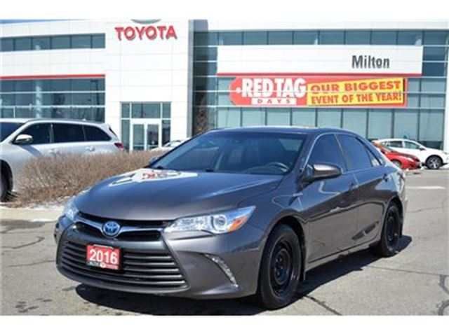 2016 Toyota Camry Hybrid XLE Pre-Collision System, Radar Cruise Control in Milton, Ontario