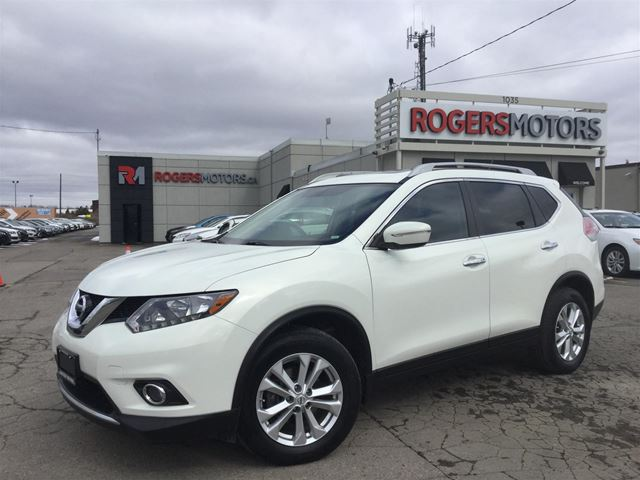2014 NISSAN ROGUE SV - PANO ROOF - REVERSE CAM in Oakville, Ontario