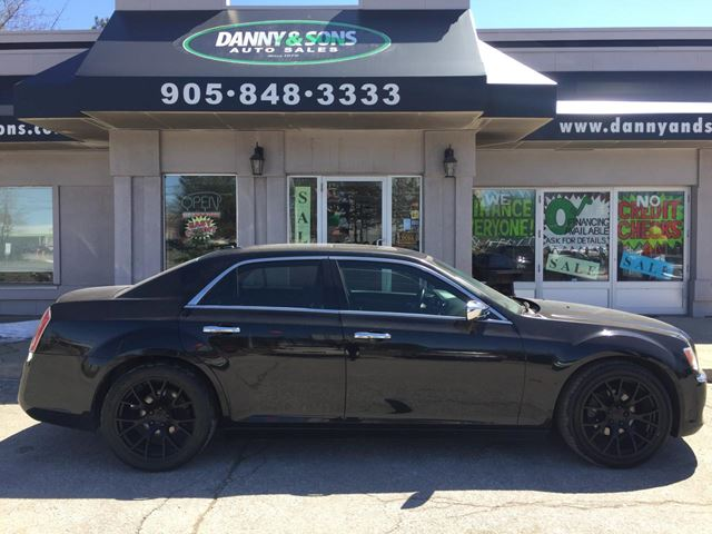 2012 CHRYSLER 300 LIMITED in Mississauga, Ontario