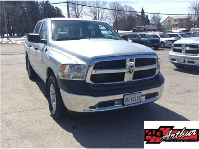 2017 DODGE RAM 1500 SXT Crew Cab 4x4 With Bluetooth in Arthur, Ontario