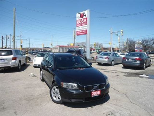 2006 VOLVO V50 5dr Wgn 2.4L Auto LOW KM NO ACCIDENT NO RUST SAFET in Oakville, Ontario