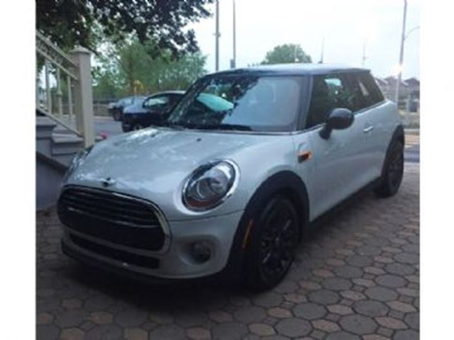 2016 MINI COOPER CLASSIC-Toit ouvrant/Protection Usure in Mississauga, Ontario