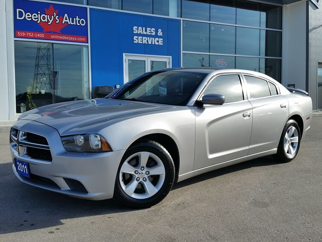 2011 DODGE CHARGER SXT RWD in Brantford, Ontario