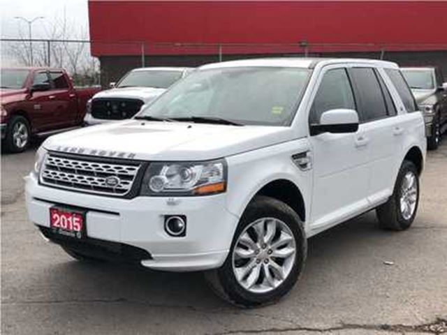 2015 LAND ROVER LR2 LEATHER**SUNROOF**BACK UP CAMERA** in Mississauga, Ontario