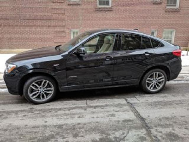 2017 BMW X4 AWD XDrive 28i ~ Low K's~ in Mississauga, Ontario