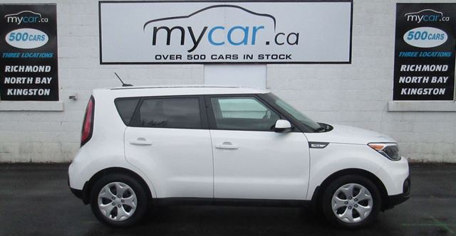 2018 KIA SOUL LX LOW KMS!!!! BLUETOOTH in North Bay, Ontario