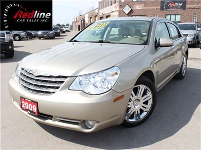 2009 CHRYSLER SEBRING Limited Bluetooth-Sunroof-Leather in Hamilton, Ontario