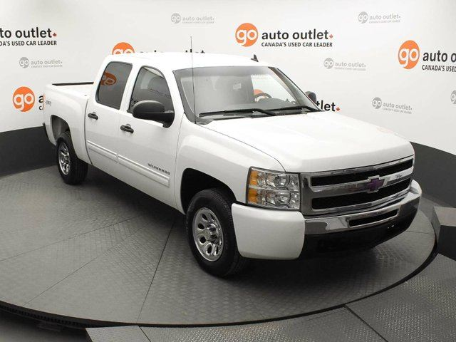 2011 CHEVROLET SILVERADO 1500 LS 4x4 Crew Cab in Red Deer, Alberta