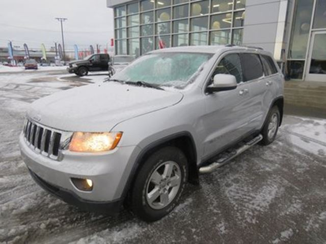 2011 JEEP Grand Cherokee Laredo 4X4 in Trois-Rivieres, Quebec