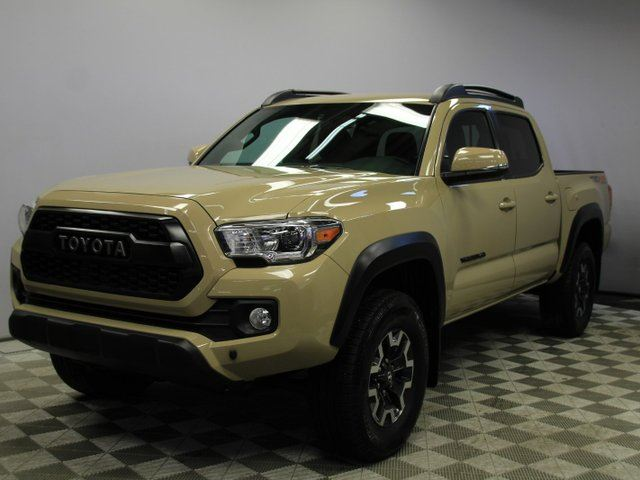 2017 TOYOTA Tacoma TRD Off-Road 4x4 Double Cab - Local One Owner Trade In | No Accidents | 3M Protection Applied | 2 Sets of Rims and Tires | Very Well Looked After | Heated Seats | Dual Zone Climate Control with AC | Navigation | Back Up Camera | Push Button Start/Ent in Edmonton, Alberta