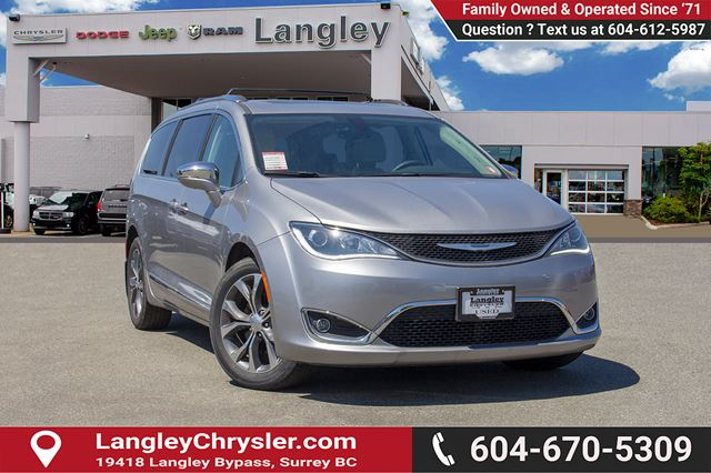 2017 CHRYSLER PACIFICA Limited in Surrey, British Columbia